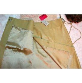 全新粉紅色《OZOC》100%柔軟小羊皮交叉緞面內裡A字裙(原價$14800)