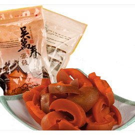 ~台南府城~吳萬春蜜餞~辣芒果~新鮮芒果製成,香甜略辣的味道,是難忘的兒時回憶!