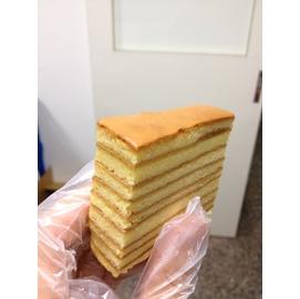 ~餅乾先生~千層蛋糕,冰冰涼涼,風味爽口又不甜, 好吃又漂亮^!當彌月也 喔^!10盒^!