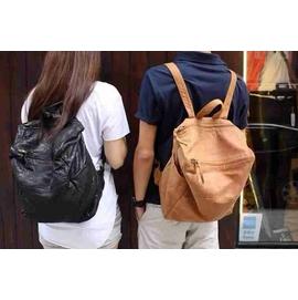 香港 師品牌BORSETTA 中性款輕巧羊皮背包 大容量