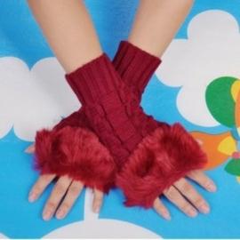 仿兔毛針織手套 毛毛露指手套 穿搭 保暖毛線手套 紅色 ~艾發現
