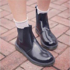 女靴短靴子馬丁靴女英倫机車粗跟平底低跟單靴短筒騎士靴女鞋