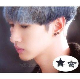 K-POP明星事務所。韓國 SJ Super Junior 銀赫 黑色五角星鏤空五角星耳釘