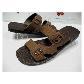 唯美品皮鞋 GUGGI 時尚流行男休閒拖鞋 1028型 咖啡色 台灣製造