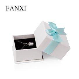 凡西高檔長毛絨首飾包裝盒 蝴蝶結戒指吊墜飾品盒子 02501 白色款