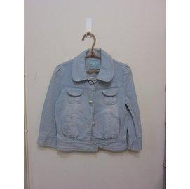 韓國妹 麻豆拍照樣衣 品 己送洗完成 牛仔外套 彈性佳 只有一件 售價1680 330