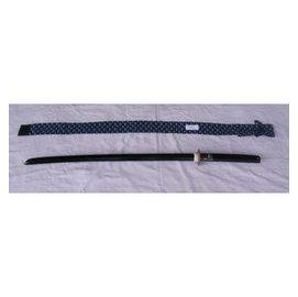 濟武:黑色長木刀^(101公分特選赤堅木^) 有背帶菖蒲染刀袋~ 新台幣400元
