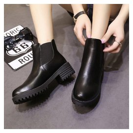 ~天天 ~馬丁靴女短筒低跟靴子軟面粗跟簡約短靴防滑透氣女靴