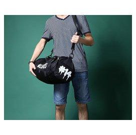 14年新品 黑色圓筒戶外 手提旅行包 單肩斜 包 男女