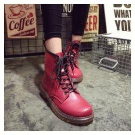 鞋櫃一定要有一雙^~^~ 圓頭馬丁靴女靴系帶英倫高幫機車靴朋克大頭工裝靴短靴女鞋