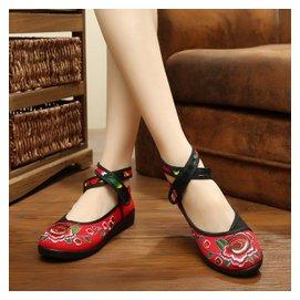 2015夏 老北京布鞋民族復古風繡花鞋廣場舞蹈鞋平跟軟底女單鞋