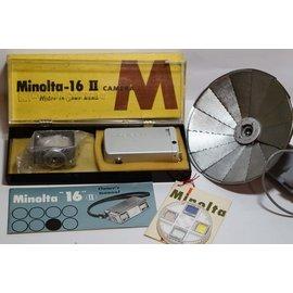 MINOLTA 16 II ROKKOR LENS 22mm 附閃光燈及四片 濾鏡組