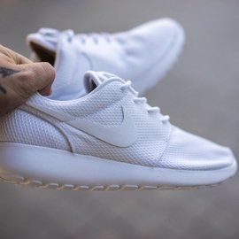 Nike Wmns Roshe run One 全白 白色 網面 復古 慢跑鞋 51188