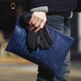 ~快樂購~ 鱷魚紋手拿包 文件包男女手拿復古公文包信封包 大小手包 側背包 後背包 錢夾