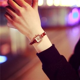 韓國東大門簡約復古方形學生細皮帶鏈小巧表盤手表 百搭女表潮