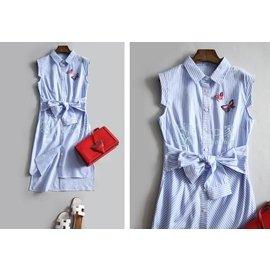 CHOCO SHOP 清爽藍白條紋 立體貼布 系帶收腰 無袖洋裝  BAU0027