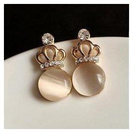 1035 韓國飾品 精致鍍18K金可愛皇冠粉色貓眼石鑲鑽耳釘耳環 女