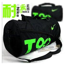 正品adidas單肩包男女斜 包健身包 包圓桶旅行足球包籃球包