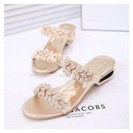 涼鞋真皮拖鞋女夏 中跟羅馬水鑽坡跟方跟一字型大碼性感涼拖鞋