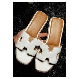 大牌平底涼拖潮女涼鞋甜美平跟白色方頭款拖鞋