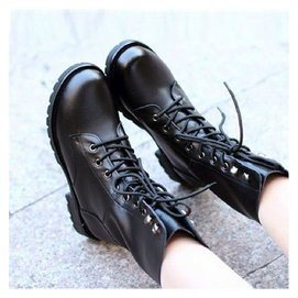 春秋鼕季 英倫真皮馬丁靴平底粗跟單鞋中跟短靴短筒男女軍靴子