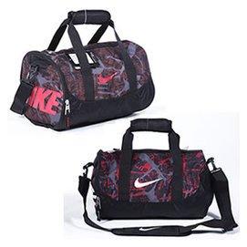 正品耐克圓桶包男女 包單肩包斜 包旅行包訓練包健身圓筒包郵