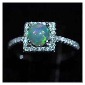 微利銷售天然歐泊戒指925銀鑲嵌歐泊石戒指澳寶石蛋白石戒