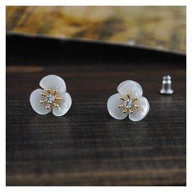 百搭小巧花朵耳釘 白色貝殼花型耳環 韓國小清新耳飾品女0037