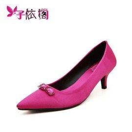 子依閣2015 街頭 款 綢緞水鑽尖頭單鞋中跟小高跟鞋細跟淺口女鞋9396~9 玫紅色 3