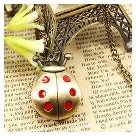 沐坤 生日 送女友復古懷表新奇特別 送女生同學  幸運星手表 紅色瓢蟲懷表