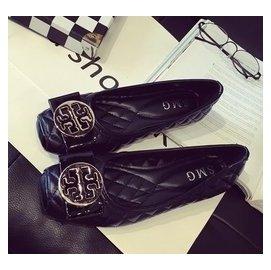 範黑色平跟豆豆女鞋金屬扣大碼淺口方頭平底單鞋工作鞋41