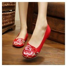 民族風繡花鞋平底老北京女鞋布鞋中跟單鞋媽媽坡跟婚鞋舞鞋內增高