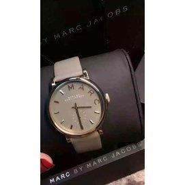 ~nunhy~Marc by Marc Jacobs MBM1266 雅致 灰色皮帶腕錶