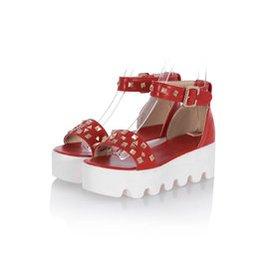 松糕跟防滑女夏涼鞋中跟圓頭露趾舒適甜美百搭鉚釘防水台女涼鞋子