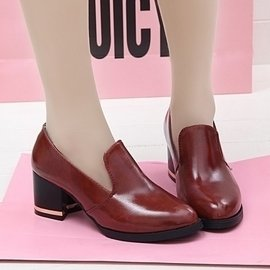歐洲站小皮鞋女英倫學院風 潮尖頭粗跟女鞋子復古中跟單鞋包郵