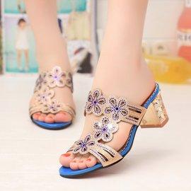 涼鞋女中跟鏤空魚嘴水鑽涼拖鞋粗跟女鞋子潮皮質特征: 壓花皮