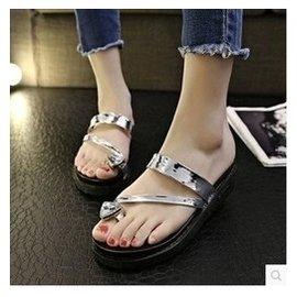 歐洲站春夏 套趾水鑽平底中跟涼拖夾腳人字拖鞋女厚底涼鞋