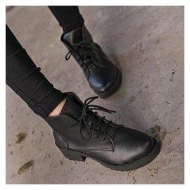 春秋 女士短靴英倫復古馬丁靴繫帶平底加絨棉靴大碼學生女靴子