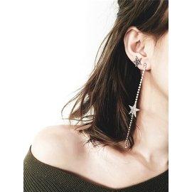 ~Korinne s shop~滿400  純取貨   日韓飾品 閃鑽星星不對稱水晶五角星