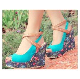 ~零一刻度~37539416168 魚嘴涼鞋 甜美扣帶坡跟高跟鞋氣質碎花紋女鞋子