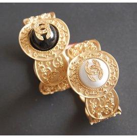小95風走秀復古宮廷花紋金屬雕花雙大寶石寬手鐲 手環
