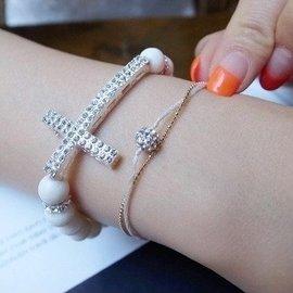 51~100元女韓國 正品白色亞克力原石串珠鑲鑽十字架手鏈B01105