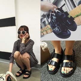 原宿風涼鞋女夏鬆糕鞋學生休閒厚底羅馬鞋黑色后絆帶平底涼鞋