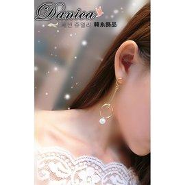 耳環  韓國 氣質甜美 感幾何金屬圓形珍珠不對稱耳環^(2色^) K90857~1 Dan
