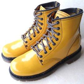 ~鞋媽媽~^~男女^~ AE黃褐色馬丁鞋^~鞋帶款^~8孔短靴_ae106