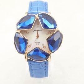 :新潮款時裝女士手錶 奢華大鑽皮帶女錶 石英表 贈表盒  ^(200元^)
