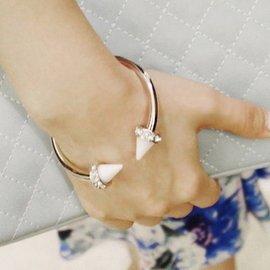 韓國 飾品正品 百搭亞克力大鉚釘開口手環手女生鐲手鏈