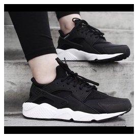 Nike Air Huarache Run 華萊士1代 黑武士 男女慢跑鞋 休閒鞋 NIK