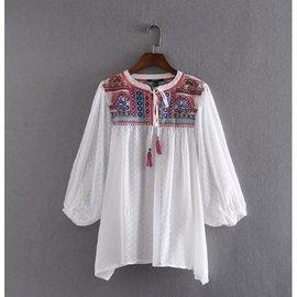 民族風刺繡雪紡衫