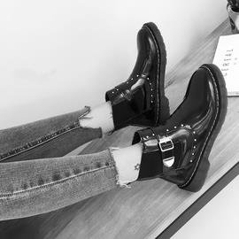 春秋2016 女鞋皮帶扣短靴低跟鉚釘黑色漆皮帥氣馬丁靴厚底靴子